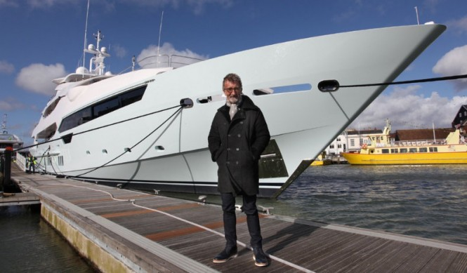 Eddie-Jordan-with-his-Sunseeker-155-Yacht-Blush