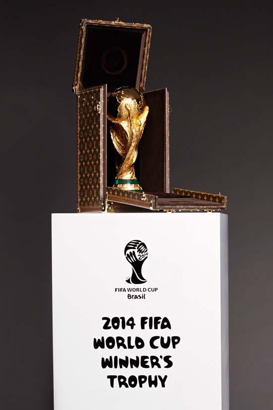 Louis-Vuitton-Trophy-Case-2014-FIFA-2