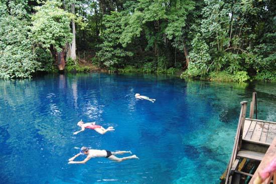Nanda Blue Hole - Luganville, Vanuatu