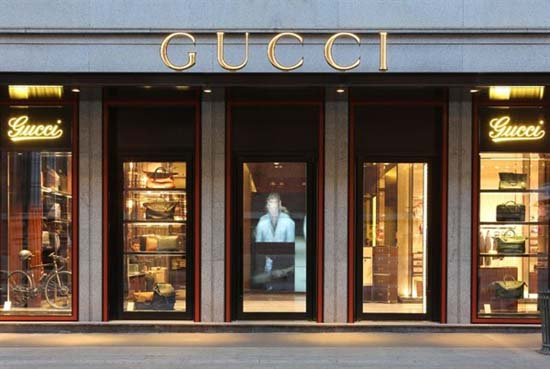 Gucci-Mens-flagship-store-Milan-front