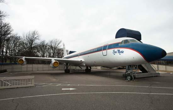 The-Lisa-Marie-jet