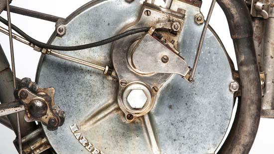 1907-harley-davidson-strap-tank-02