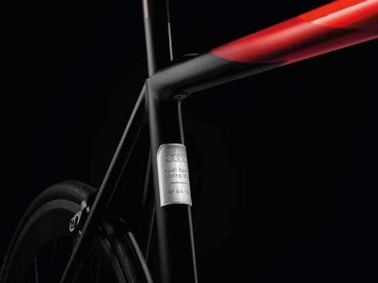 audi-sport-racing-bike-02