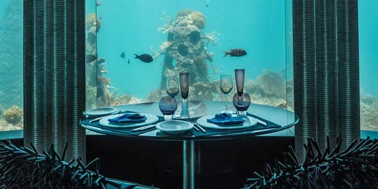 subsix-first-underwater-nightclub-01