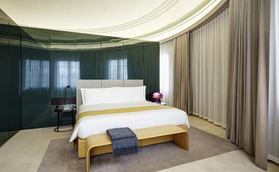 hotel_cafe_royal_dome_penthouse_bedroom