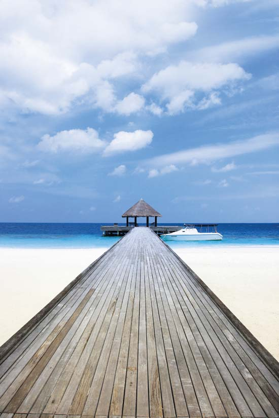 Outrigger-Konotta-Maldives-Resort-Arrival-Pavillion