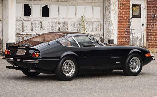 1972-Ferrari-365-GTB-4-Daytona-Berlinetta-2