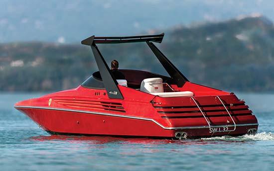 1990-riva-ferrari-32-speedboat-back