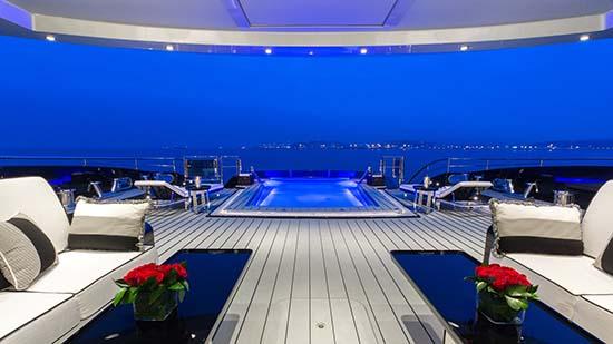 yacht-okto-exterior-02