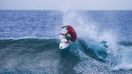 Shane Dorian surfing