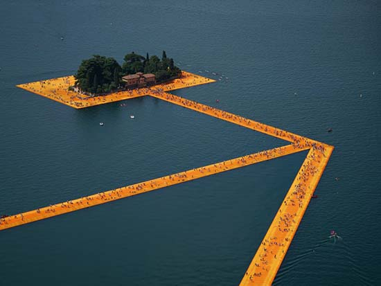 The-Floating-Piers-Lake-Iseo-Italy-1