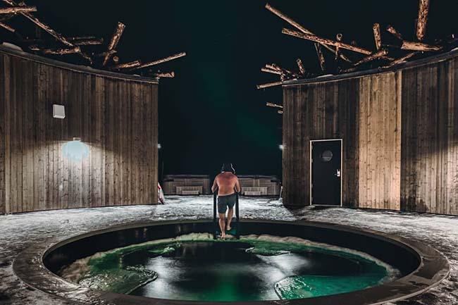 Arctic Bath Hotel cold bath