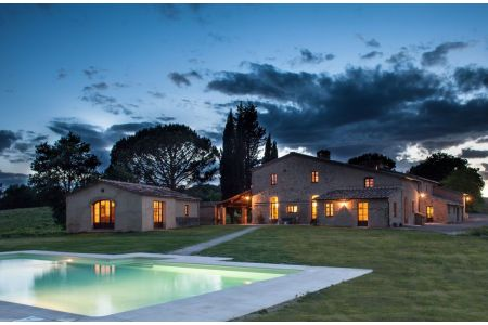 Villa Senese - Luxury Tuscany Farmhouse Rental in Buonconvento, Siena