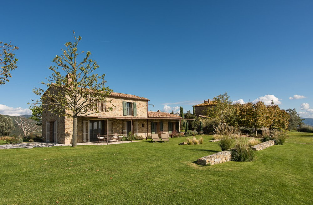 Villa Tatti | Beautiful Tuscan Farmhouse with infinity pool