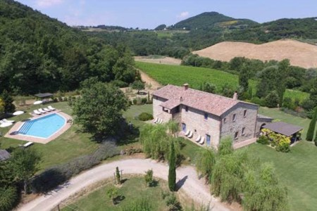 Podere Monti An Elegant Tuscan Farmhouse On A Wine Estate