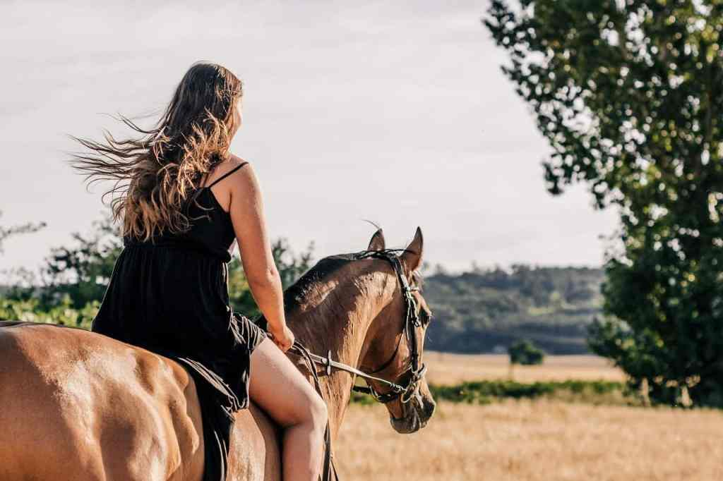 5 Adventures in Tuscany You MUST Have on Your Next Vacation horseback riding Tuscany