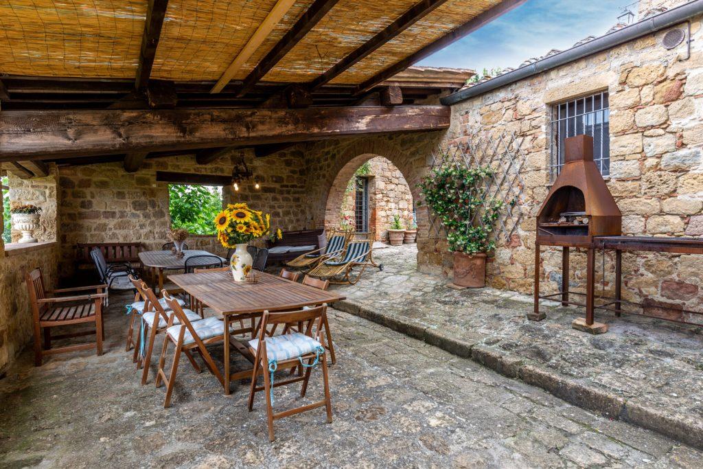 La Fonte Typical Tuscan Farmhouse