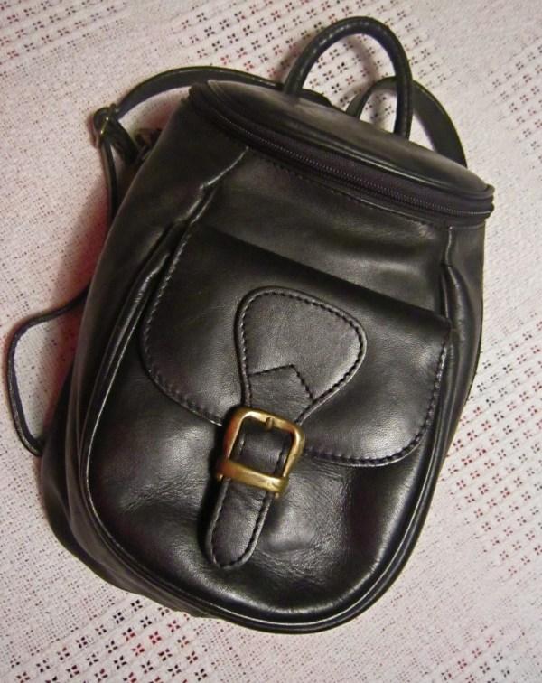 Genuine Black Cowhide Leather Zip-Top Backpack
