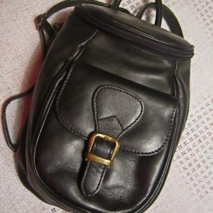 Genuine Black Cowhide Leather Zip-Top Backpack