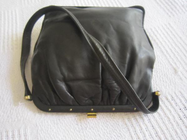 Vintage Black Leather Kiss-lock Shoulder Bag-3