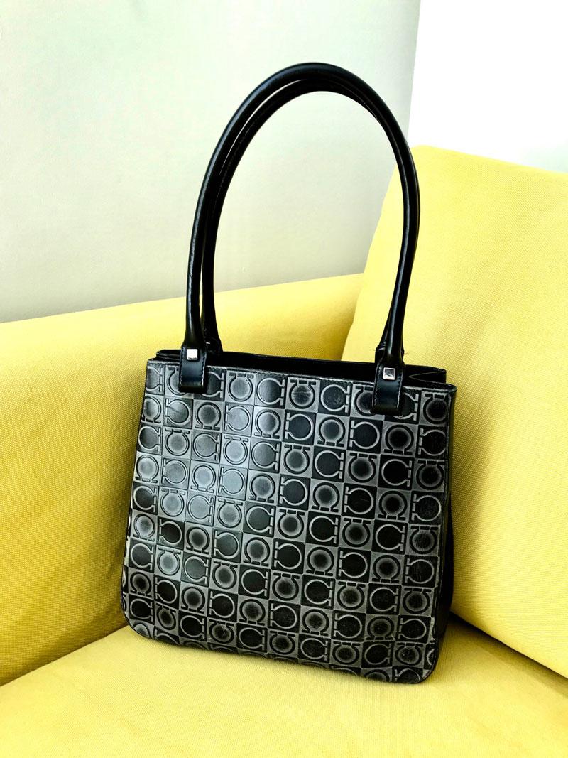 Salvatore Ferragamo Vintage Black Leather Gancini Shoulder Bag ... fe5e38875f287