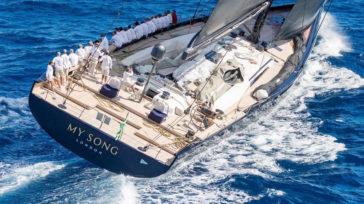 A 34 Million Luxury Yacht Is Now At The Bottom Of The Sea