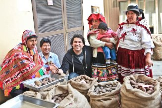 Chef Gaston Acurio with the campesinos
