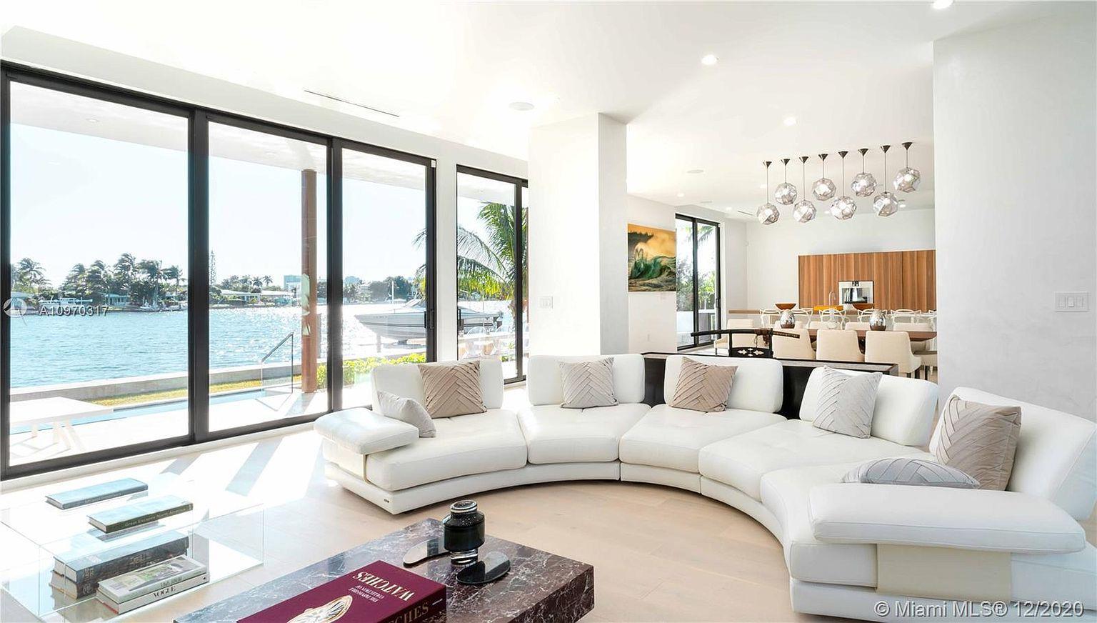 Luxury Neighborhoods: Biscayne Point