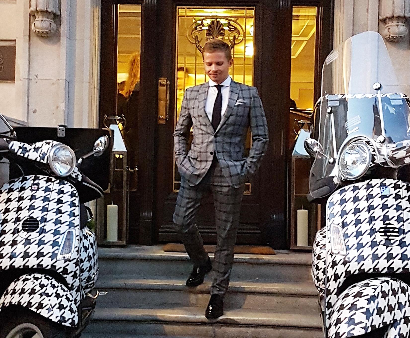Ames_luxury_london
