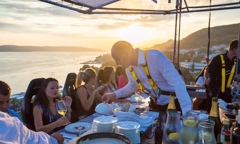 Dinner in the Sky 48