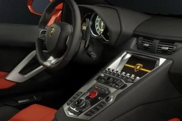 Lamborghini-Aventador-LP700
