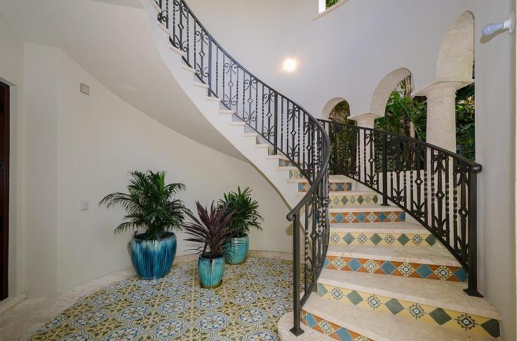 mainentrancestairwell-luxury-villa-rental-miami