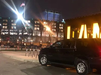 Green Bay Packers Black Car Service – Game Day Transportation