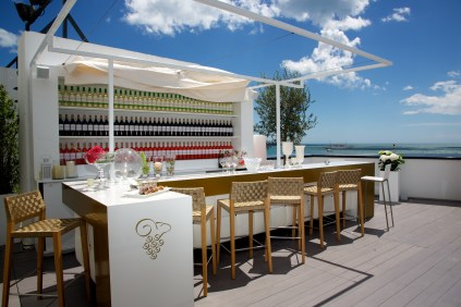 Mouton Cader Wine Bar - Cannes 2014