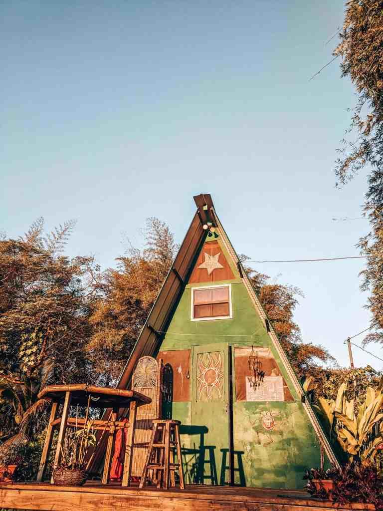 Coolest Airbnb - Hand Built Hut Hawaii - Luxury Travel Hacks