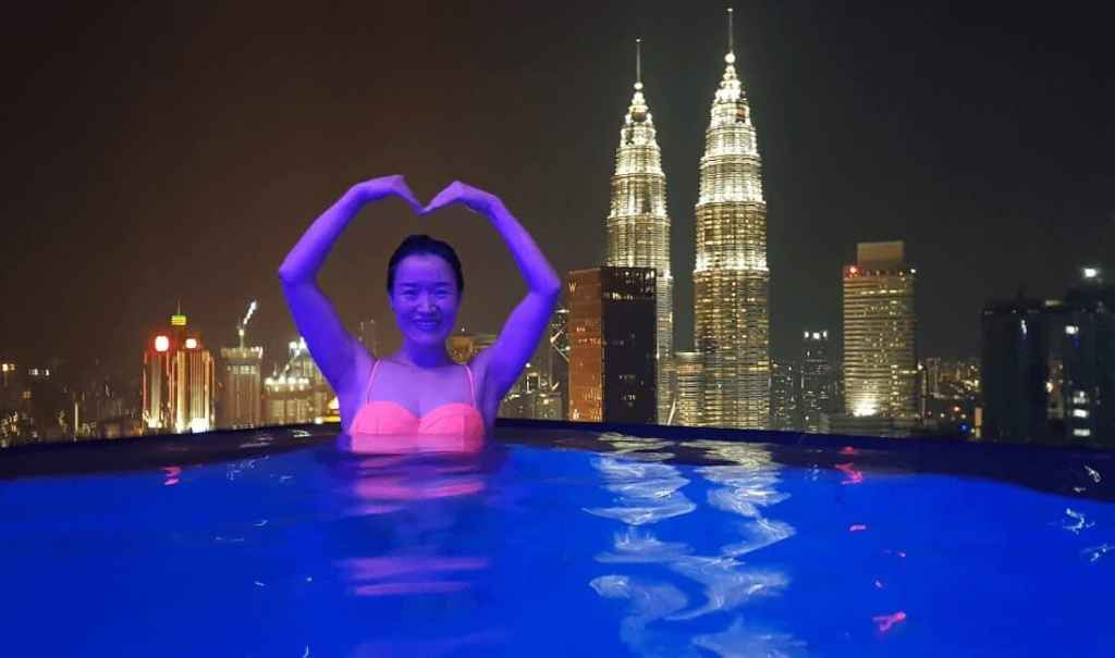 Infinity Pool with views of the Petronus Towers - Airbnb Malaysia - Luxury Travel Hacks