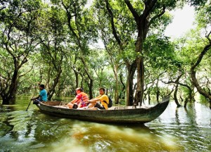 kompong-phluk-floating-village-tourist(1)