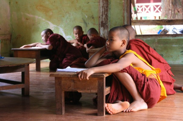monks holiday myanmar
