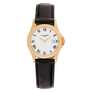 Patek Philippe Calatrava 4906 18k rose gold 26mm Quartz watch