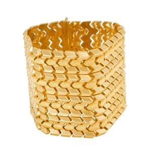 Wide geometric vintage bracelet in 18k