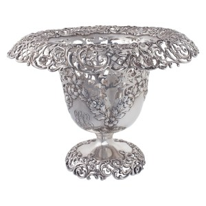 """Magnificent Sterling silver ice bucket, hallmarked """"BIGELOW. KENNARD & Co 7198STERLING  RW"""" over 2170 grams of  sterling silver"""