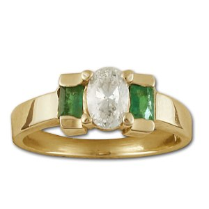 Adorable diamond and emerald ring in 14k. 0.50cts oval diamond (H-I, VS2)