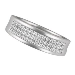 Princess Cut Diamond ring set in 18k white gold. 0.75cts in diamonds. Size 6.25