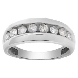 Mens ring in 14k white gold. 1.00 carat in diamonds. Size 11.