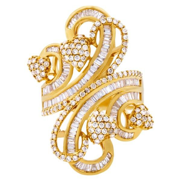 "Ladies ""Bow of love"" diamond ring set in 18k yellow gold"