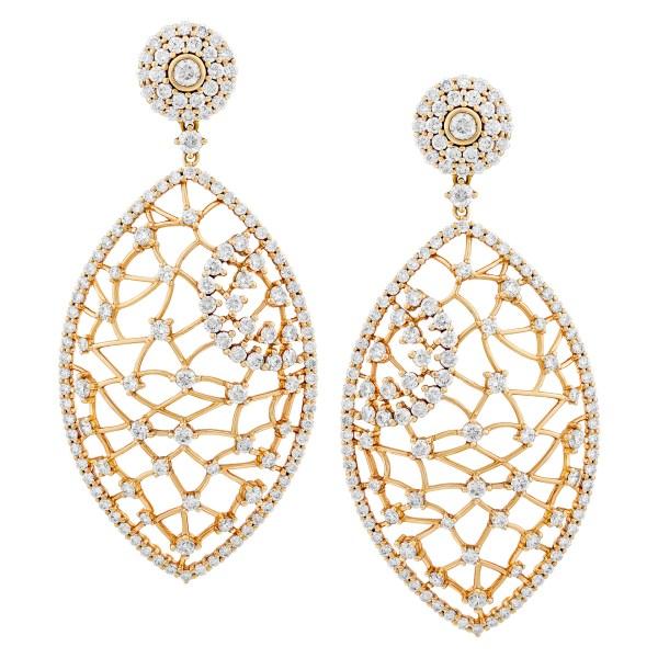 Diamond drop earrings in 18k yellow gold