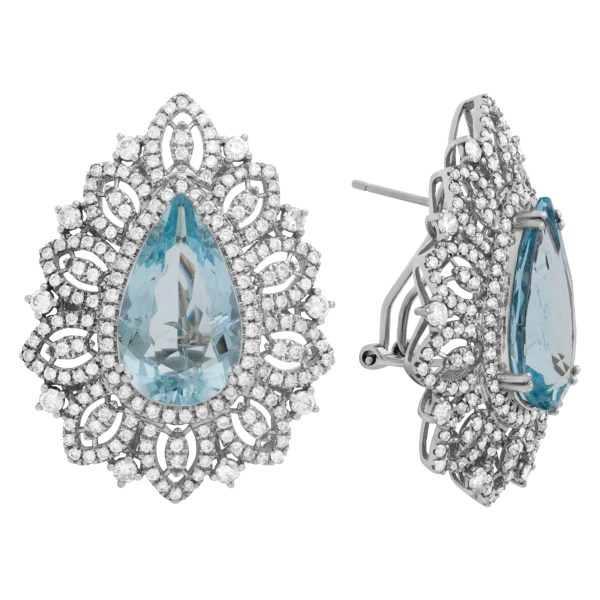 Diamond and Aquamarine drop earrings in 18K white gold. 3.15cts in diamonds