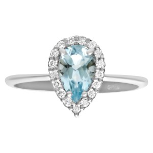 Aquamarine ring with 0.13 cts in diamond accents