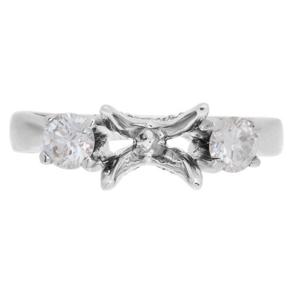 Diamond setting with 2 side diamonds in 18k white gold