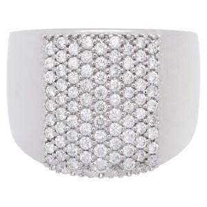 Wide diamond ring in 18k white gold